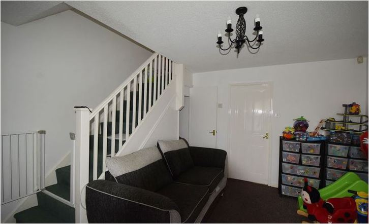 2 Bed Modern Build Semi available now for long Let Property 4