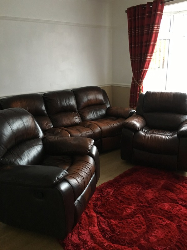 BROWN REAL LEATHER RECLINING 3 PIECE SUITE Household
