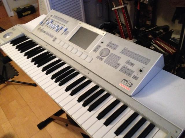 FOR SALE: Yamaha Tyros 5 Workstation Keyboard Music 2