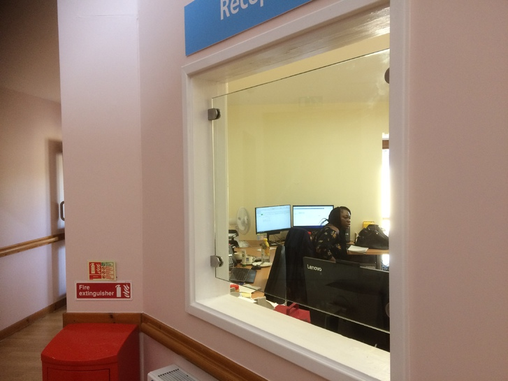 Glass Covid Screens Office & Commercial 4