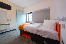 Serviced Apartments in Cheltenham provide Serviced Accommodation in and around Cheltenham. We have no. of Serviced Apartments in Cheltenham to fulfill your short to long term business or leisure accommodation requirements. Other 4
