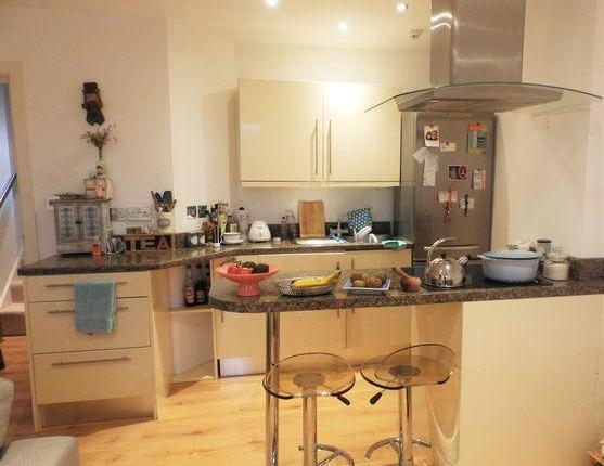 Student AccommodationAvailable. Large 1 Bedroom in Nottingham  Property 4